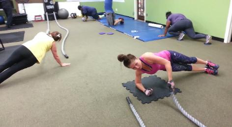 Total body weight loss conditioning workout with personal trainer in Nanuet, Battle ropes core