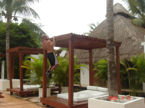 steve pullups outdoor bootcamp mexico