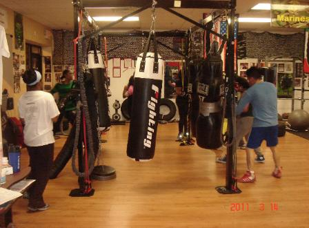 Boxing, Kickboxing class, High intensity interval circuit training, with personal trainer in Rockland